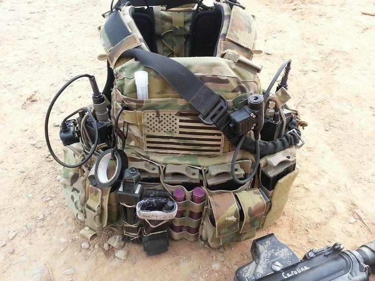 NOTE carabiner, electrical tape, chemlights, pouch placement