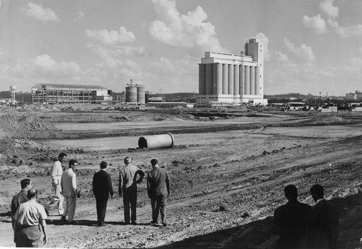 Acervo/Estadão - Obras de construção do Ceasa, no bairro do Jaguaré, em março de 1962