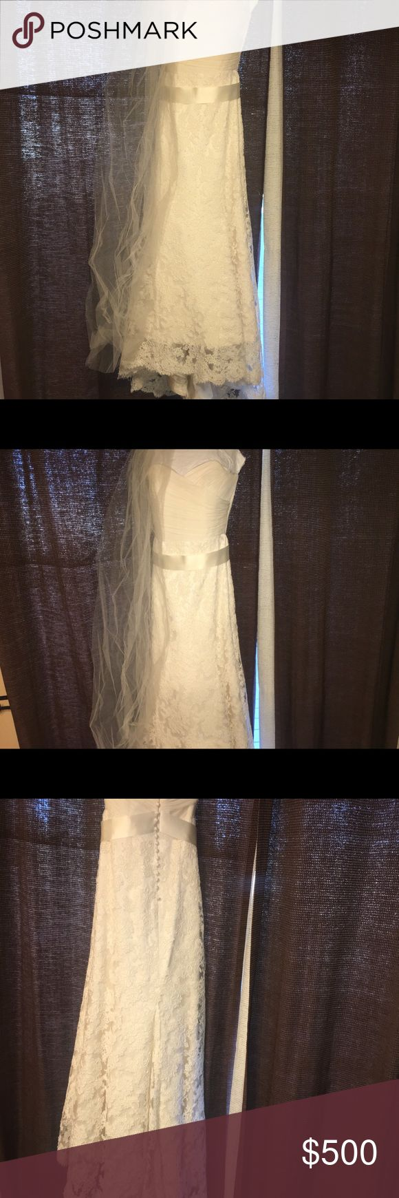 Modern Trousseau Wedding Dress Beautiful Modern Trousseau Wedding Dress. Size 10.  Only worn once, and has been dry cleaned. Also comes with a vail.  Only issue is there is a button that is a little snagged, and coming loose on the bottom back of the dress. But it is an easy fix.  The style name is Leah, and retail price was $4,200.  Would like at least $500 for it, but i am moving here soon so i would like to get rid of it before the move. So, i am willing to negotiate on the price…