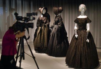 喪服の展覧会、米メトロポリタン美術館で開催 写真4枚 ファッション ニュースならMODE PRESS powered by AFPBB News