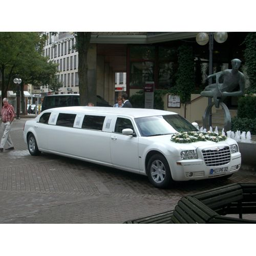 Limousine mieten in Hannover I found this kind of stylish limo service. Test drive a bit more on this domain