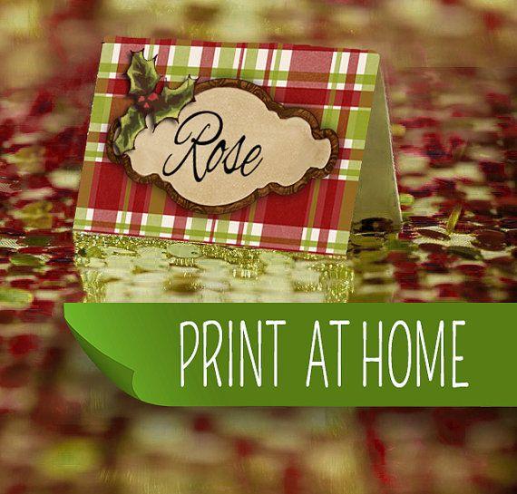 Complétez votre table de Noël en indiquant le nom des invités sur ces magnifiques marque-places que vous pourrez imprimer vous-même, à la maison.
