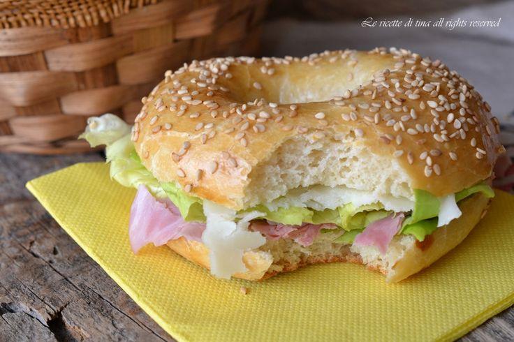 Ciambelle salate,fantastici panini da farcire,ottimi per pic nic,merende e buffet.