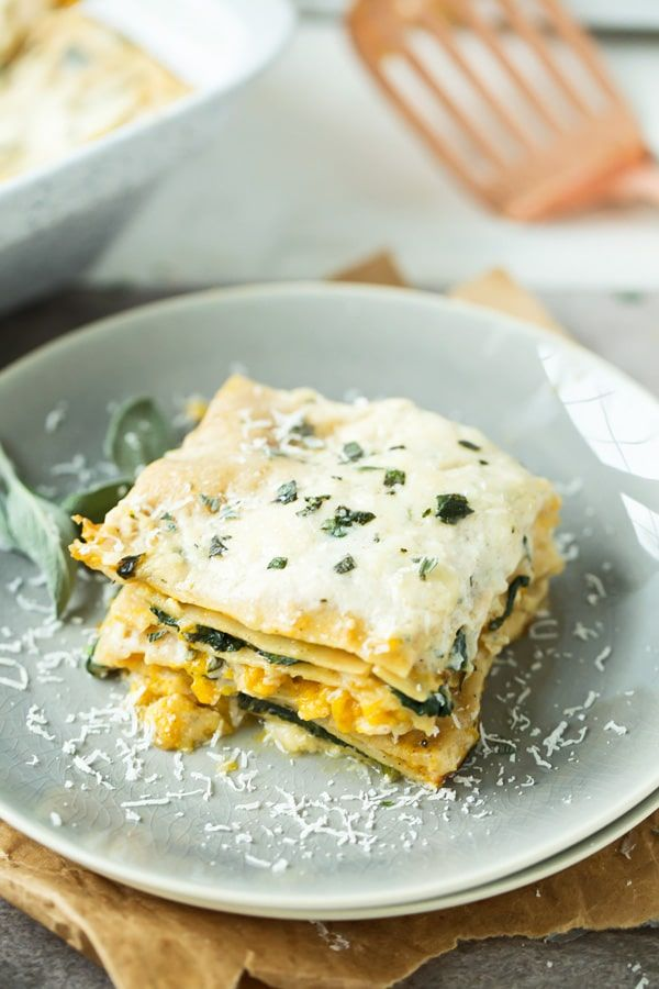 Butternut Squash & Spinach Lasagna: Creamy layers of brown butter béchamel, creamy squash, nutty parmesan cheese and tender pasta!