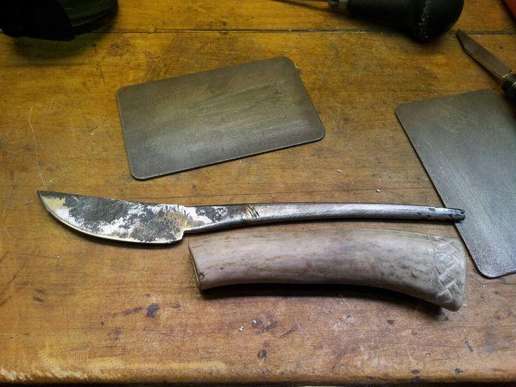 knife in progres