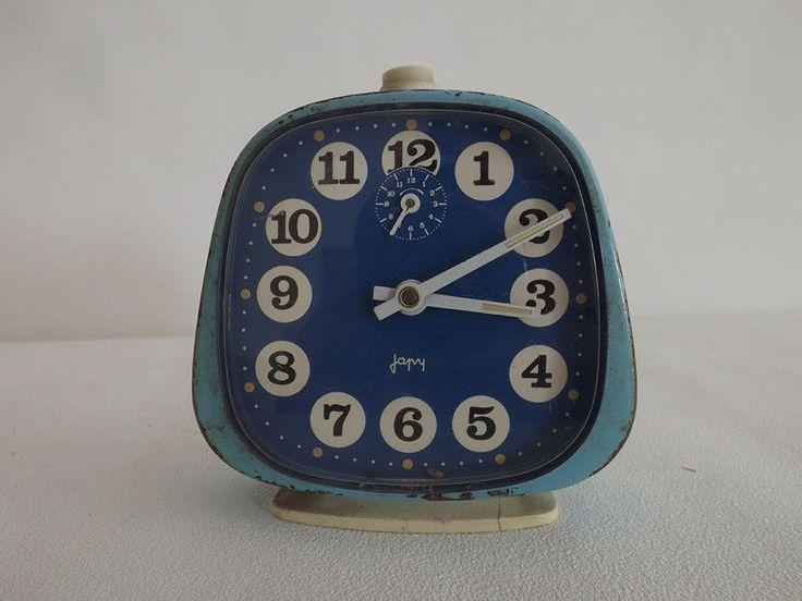 Réveil de la marque française  Japy de couleur bleu - Alarm clock of the french brand Japy de la boutique Rustybroc sur Etsy