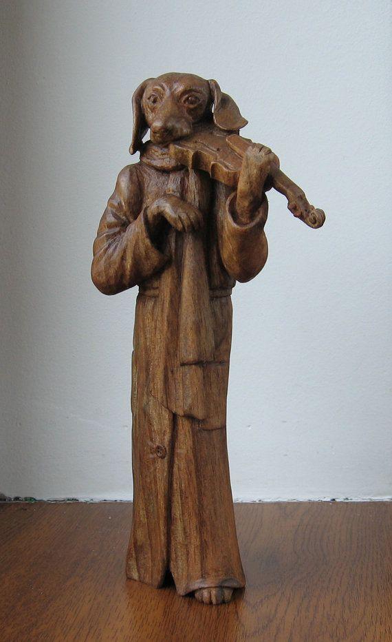 Teckel avec un violon  sculpture en bois à par WoodSculptureLodge