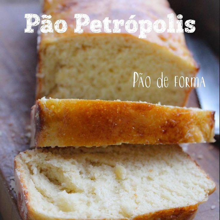 Fazer pão não é difícil, seguindo direitinho os passos a seguir, o Pão de Forma Petrópolis já sai bom logo na primeira vez!  O segredo é misturar os ingredientes na ordem indicada, sovar por pelo menos 10 minutos e aguardar o tempo de fermentação certo antes de levar ao forno. INGREDIENTES PÃO DE FORMA PETRÓPOLIS: •10g de fermento biológico seco e instantâneo, 1 saquinho. •1colher de sopa de manteiga derretida •¾ de xícara de chá de leitegelado. •1 ovo inteiro •¼ de xícara de chá de açúcar…