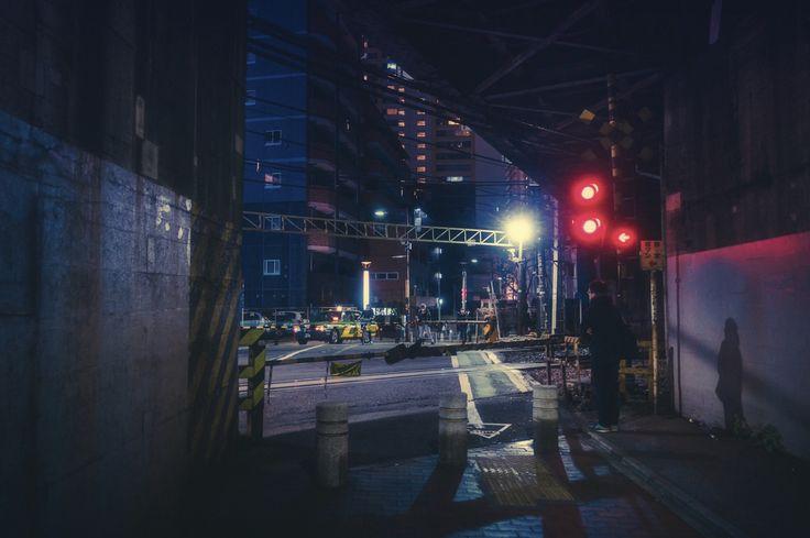 フォトグラファーであるMasashi Wakui氏が撮影した東京の写真の紹介です。 アンバー色と無機質な東京の相性も相まって非常にかっこいい雰囲気を醸し出しています。 ブレード・ランナーの世界みたいで