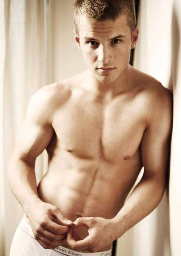 So thank you, Freddie, for being the hottest man ever to grace a flying broomstick. | Freddie Stroma Is Officially The Hottest Former Quidditch Player Of All Time