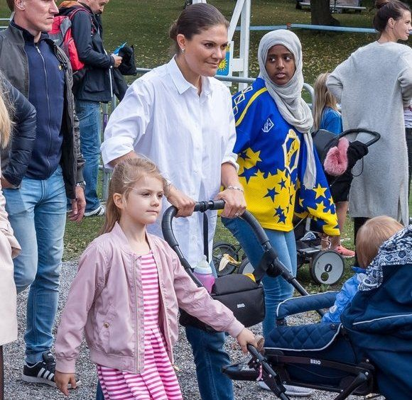 On September 10, 2017, a traditional sports event for children took place at Haga Park. That event is the annual Prince Daniel's Race and Sports Day held by Prince Daniel for children. Crown Princess Victoria and her children Princess Estelle and Prince Oscar came to Haga Park in order to watch the race.