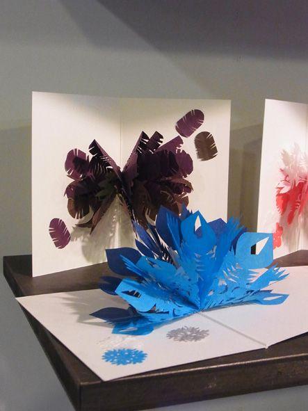 切り紙カード 鷹の羽 雪夜