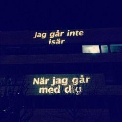 Jag går inte isär - när jag går med dig. Håkan Hellström. Gårdakvarnar och skit.