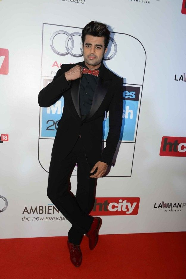 Manish Paul | 18 Celebrity Looks From HT Most Stylish Awards
