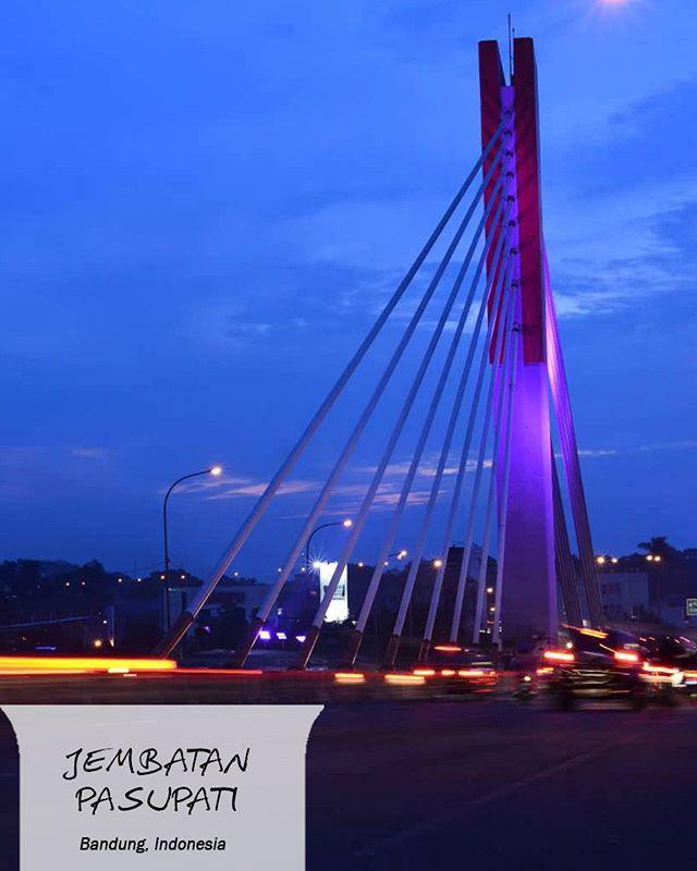 Jembatan Pasupati membentang 2,1 km, menjadikannya jembatan terpanjang kedua di Indonesia. 😍  #EMCOLUX #COLORtorial #catkayubesi #warna #ngecat #surabaya #jakarta #depok #tangerang #bogor #bekasi #bandung #bali #banyuwangi #denpasar #jember #jogja #semarang #solo #kediri #mataram #nusatenggara #lombok #purwokerto #padang #makassar #cirebon #kupang #malang @indonesianrepost @indonesia_kaya @indotravellers @exploresurabaya