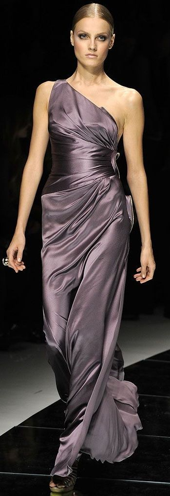 ✿~THE FASHION SHOW `✿⊱╮  *Versace | Spring 2009 Ready-to-Wear Collection