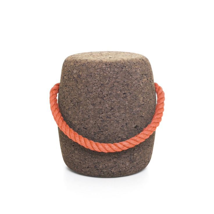 The Pipo Cork Stool is so called due to its similarity to the traditional wood barrel used for storing wine.