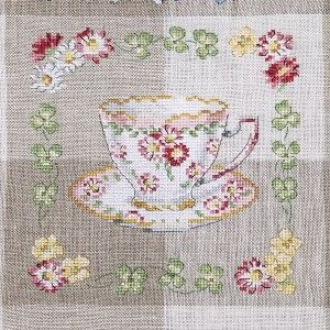 84 best Torchons au point de croix images on Pinterest | Embroidery, Stitches and Tea towels