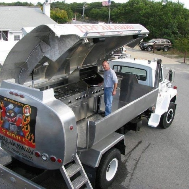 Nice BBQ grill. This is what I'm talking about!