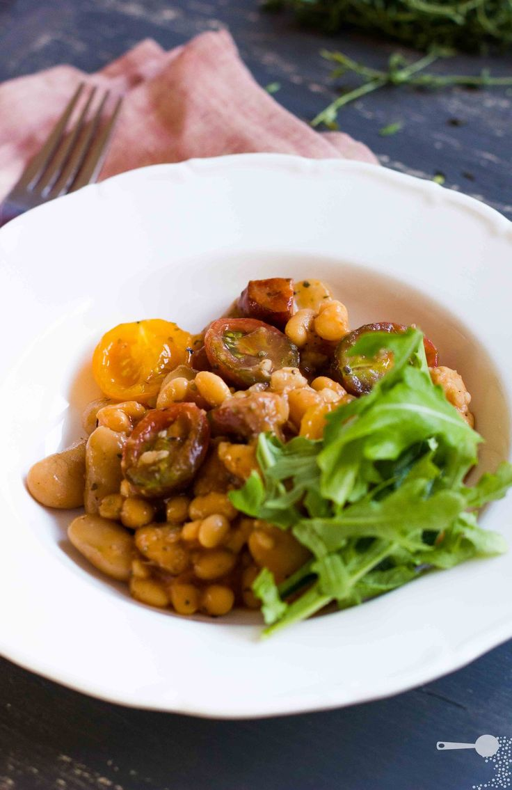 Herbed breakfast baked beans - http://wholesome-cook.com/2012/03/19/herbed-breakfast-baked-beans/