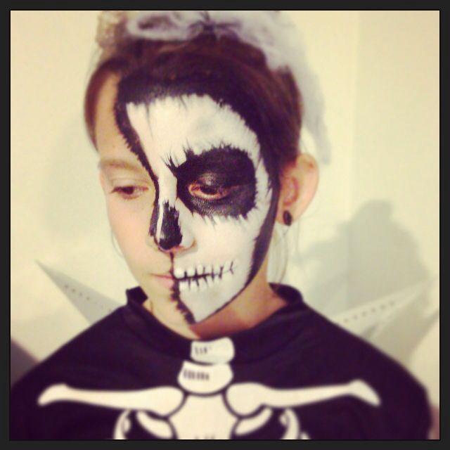 My skeleton girl 2 by Mummashar