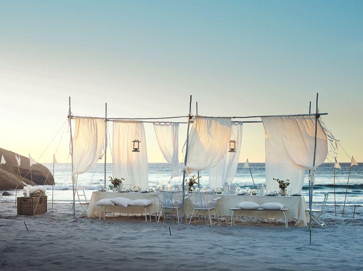 Hochzeit am Strand mit z.B.: IKEA PS 2014 Bank, drinnen/draußen, weiß, faltbar