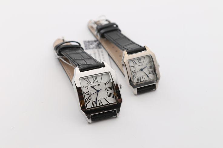 De witte kezzi horloges zijn het perfecte cadeau voor man en vrouw. De horloges hebben een zwarte armbanden  De horloges worden verzonden in doosjes http://justmerried.luondo.nl/12102153/man-en-vrouw-kezzi-horloges