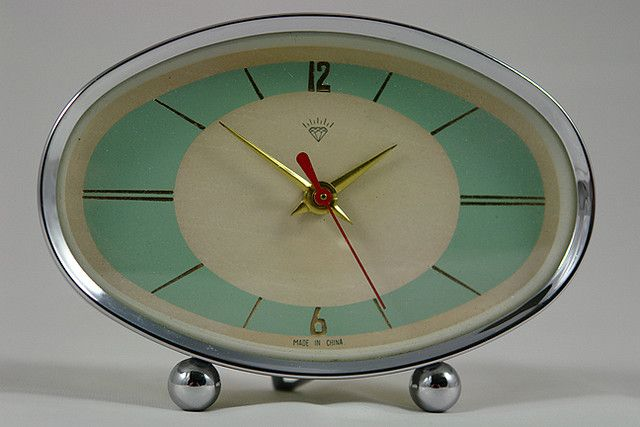vintage 50s atomic clock