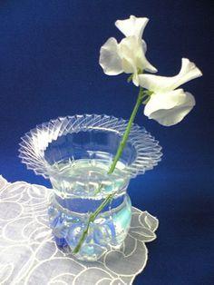Convierte una botella de plástico en un delicado jarrón ~ Olvídate de la crisis