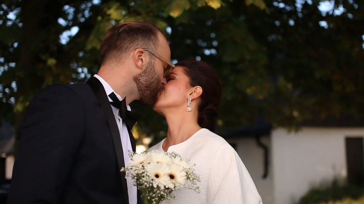 Early fall wedding in South of Sweden. Filmed by Noofoo Media - www.noofoo.com/wedding #wedding #video #photo #photography #marriage #magic #summer #sweden #countryside