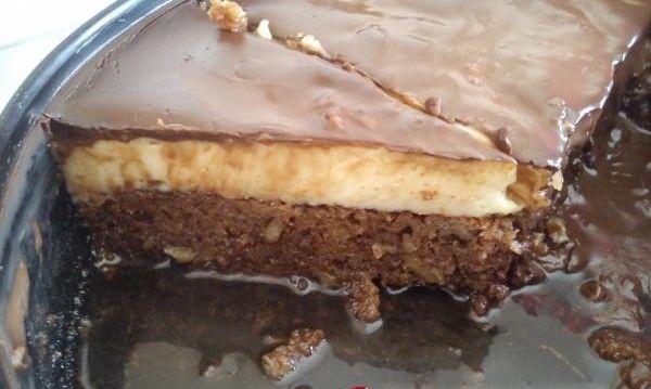 Καρυδόπιτα με κρέμα και γλάσο σοκολάτας από τις «Συνταγές της Παρέας»!