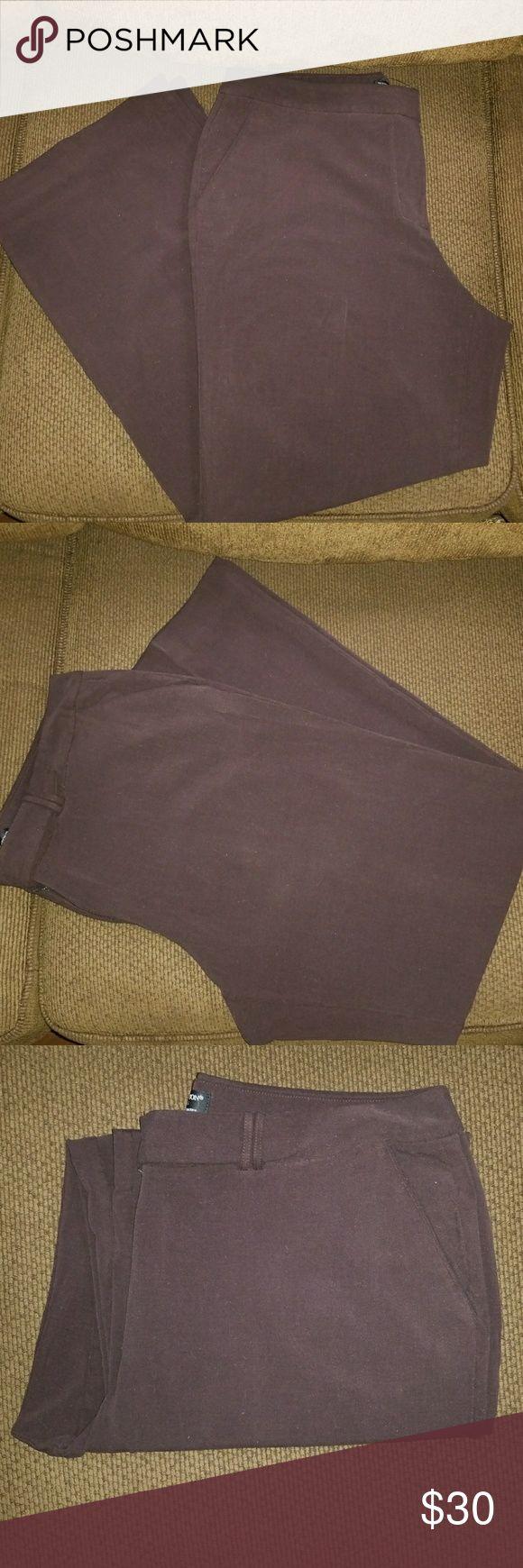 Worthington works stretch brown slacks Worthington works stretch separates,dark brown women's dress slacks, two front side pockets, size 14 average. Worthington Pants Trousers