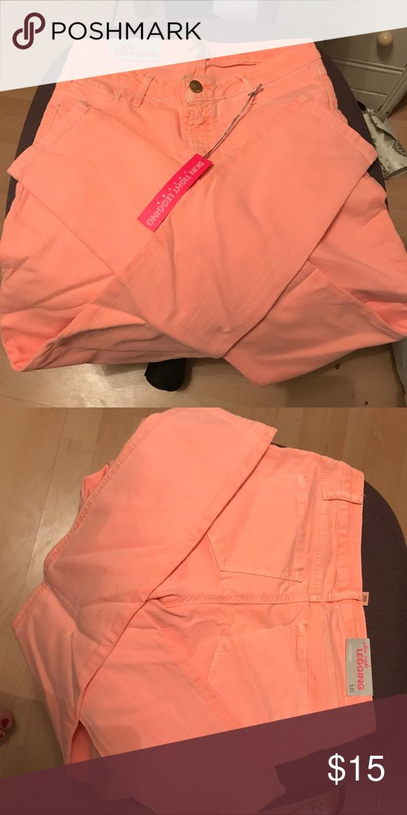 Peach jeggings NWT peach skinny jean leggings. Size 10. Check out my closet! refuge Jeans Skinny