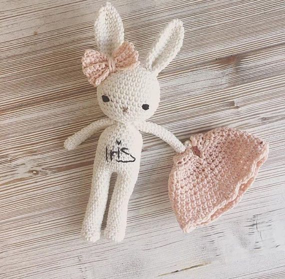 Precioso amigurumi animales conejito chica con vestido de verano - ganchillo de la mano suave peluche - peluche suave perfecto para su hijo. Colores: el color principal del conejo es blanco natural, pero si quieres tu color personal, contáctame, hay un montón de elección. Esto es
