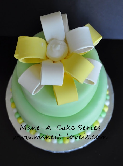 How To Make Loop Bow Cake