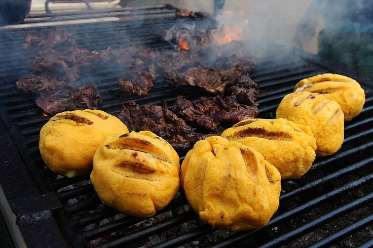 Polenta -Bulz și pastramă la grătar