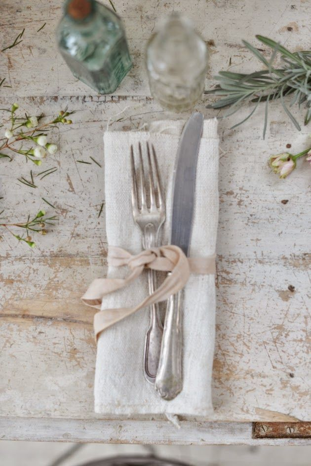 simple summer setting | image via: valdirose