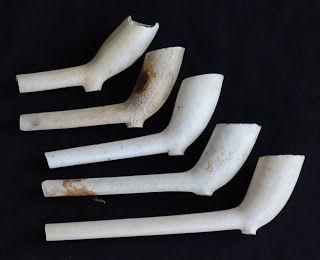 Mudlarking Finds. Clay Pipes from around 1770s.