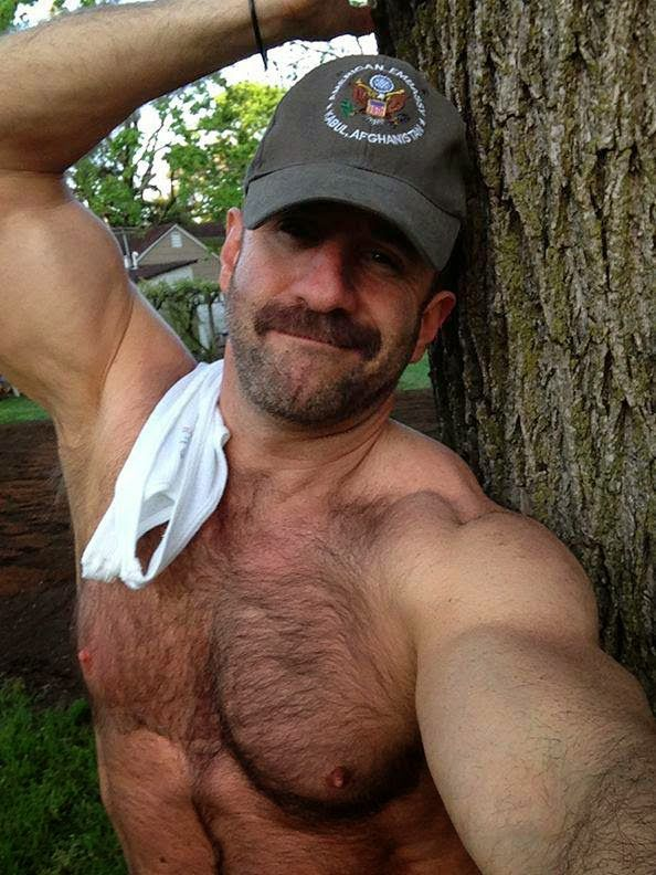 Зрелный воласатый гей мушиный онлайн фото 12-319