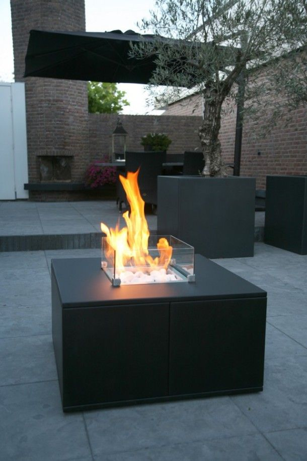 25 Best Ideas About Modern Outdoor Fireplace On Pinterest