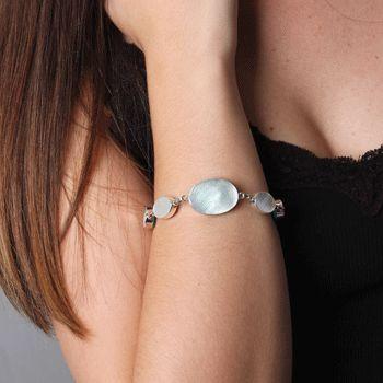 Pulseira de Prata com Madrepérola. #pulseira #pulseiradeprata #fashion #dicadeestilo #acessorios #prata #modafeminina #madreperola
