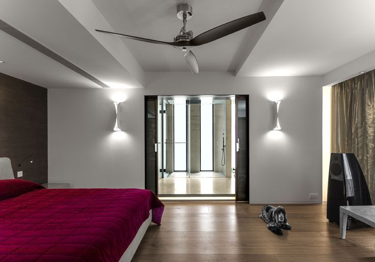A mantle of light with high and low emission. Is Cadmo Wall by #Artemide.