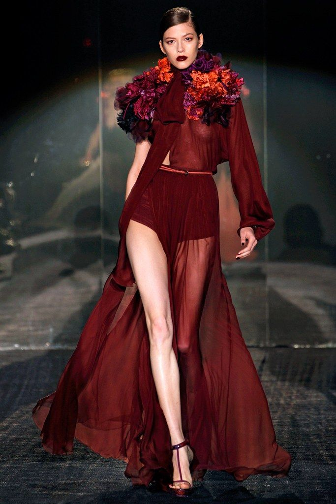 Gucci Fall 2011 Ready-to-Wear Fashion Show - Yulia Kharlapanova