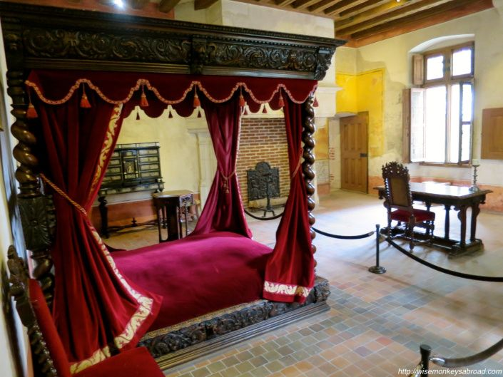 Leonardo da Vinci's bedroom in Clos Luce. See more of the house he lived in before he died.