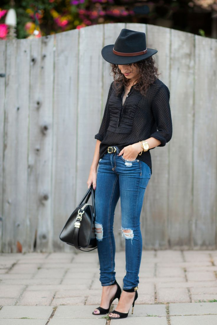 Black Fedora - Finding The Right Hat http://www.alterationsneeded.com/2014/06/black-fedora-finding-right-hat.html?utm_campaign=coschedule&utm_source=pinterest&utm_medium=Kelly%20Alterations%20Needed%20(Alterations%20Needed%20Lookbook)&utm_content=Black%20Fedora%20-%20Finding%20The%20Right%20Hat
