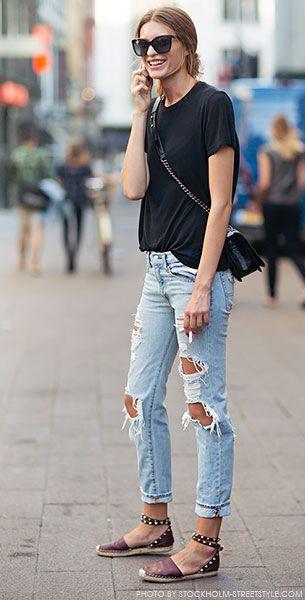 เสื้อยืดสไตล์ Boyfriend สีดำ, กางเกงยีนส์
