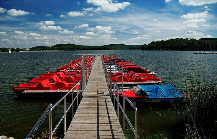 Da das Wetter jetzt wieder täglich besser wird, ... könnte man diese Woche auch mal wieder eine Tretboot Tour einplanen. Nicht nur am Bostalsee. :-)