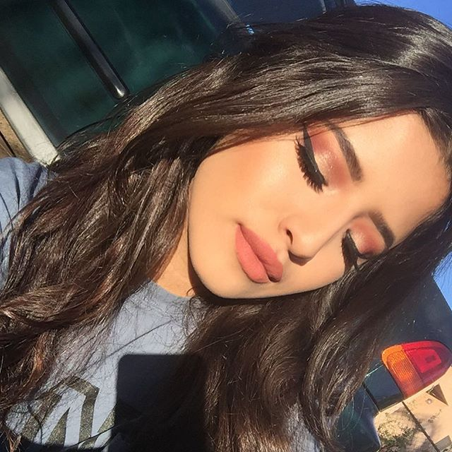 "Brows: @anastasiabeverlyhills dipbrow Eyes: #AnastasiaBeverlyHills #ModernRenaissance Lashes: @luxylash ""BAWSSY""  Liner: NYC liquid liner Glow: Anastasia too duh #glowkit"