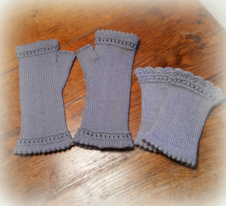 Die ersten zwei Paar Handstulpen aus kuschelweicher Merinowolle sind in diesem Jahr gestrickt.       Und diesmal habe ich rechtzeitig daran...