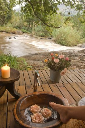 Treat your loved on with a special romantic getaway at Summerfields Rose Retreat and Spa.